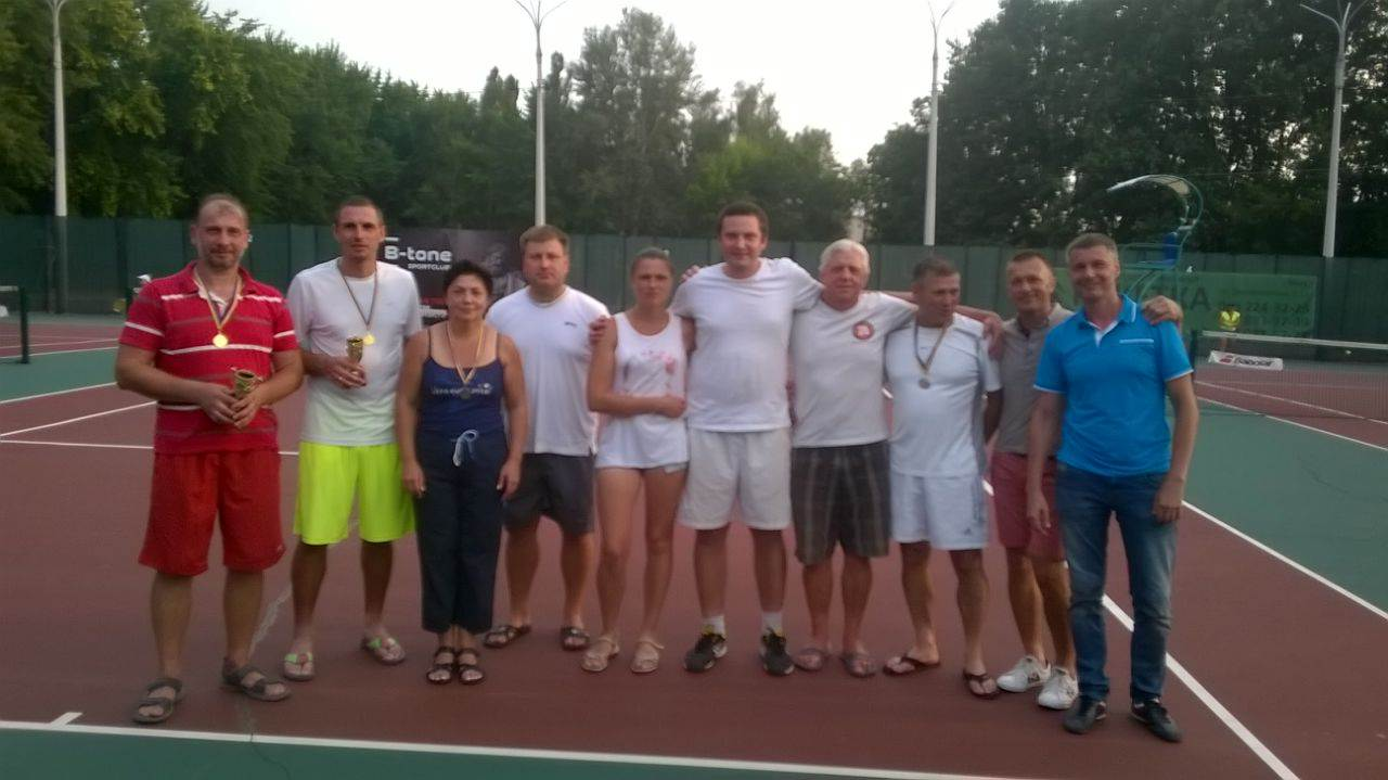 tenis_a_cup